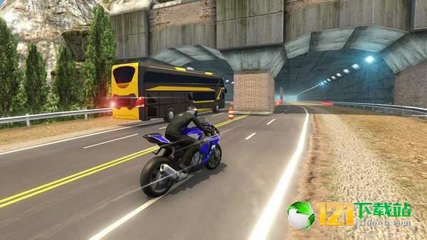 摩托车VS巨型客车图2