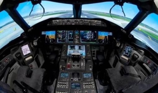 模擬飛行游戲